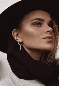 No More - FLAT EAR CUFF - Earrings - silver - 1