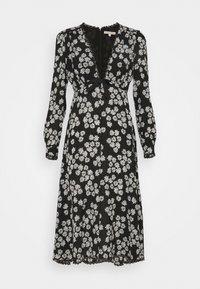 LONG SLEEVE DRESS - Denní šaty - black/off white