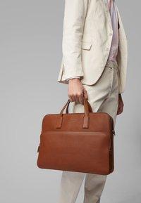 BOSS - CROSSTOWN C_S DOC C - Briefcase - light brown - 2