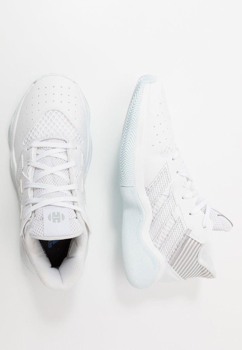 adidas Performance - HARDEN BOUNCE BASKETBALL SHOES UNISEX - Basketbalové boty - footwear white/silver metallic/sky tint