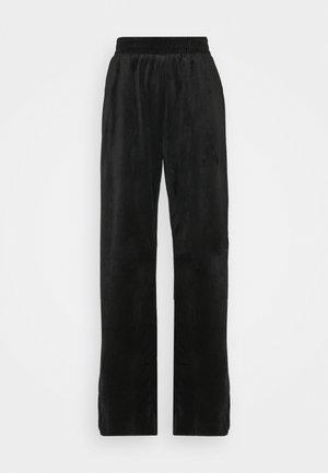 STRAIGHT LEG SPLIT FRONT TROUSER - Kalhoty - black