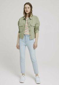 TOM TAILOR DENIM - Basic T-shirt - multicolor stripe - 1