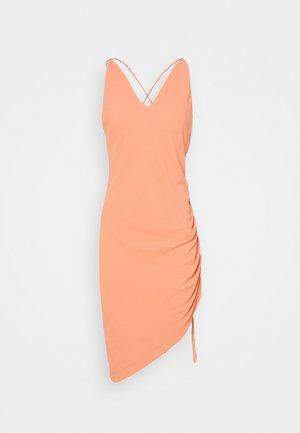 CLODY - Pouzdrové šaty - abricot
