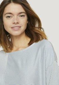 TOM TAILOR DENIM - Long sleeved top - mid blue white stripe - 3
