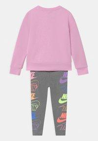 Nike Sportswear - FUTURA SET - Mikina - carbon heather - 1
