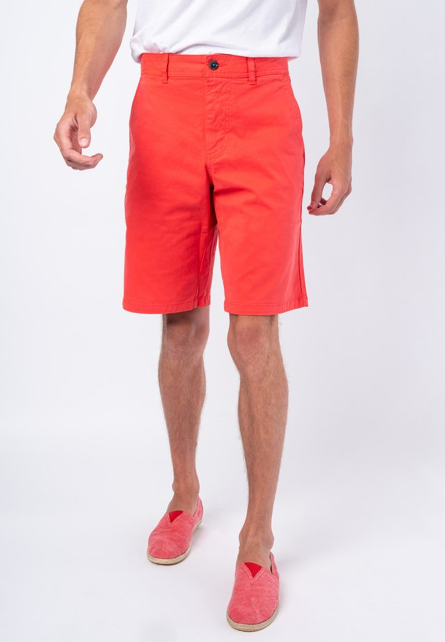 TURTLE  - Shorts - red