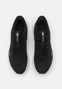 Nike Performance - REVOLUTION 5 PRM - Chaussures de running neutres - black/metallic gold grain - 3