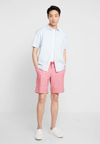 GAP - Shorts - weathered red - 1