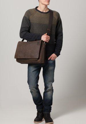 RICHMOND - Across body bag - dark brown