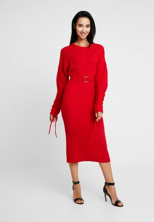 DRESS WITH BELT - Sukienka dzianinowa - red