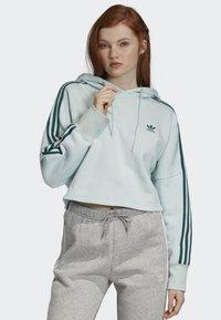 adidas Originals - CROPPED HOODIE - Luvtröja - green - 0