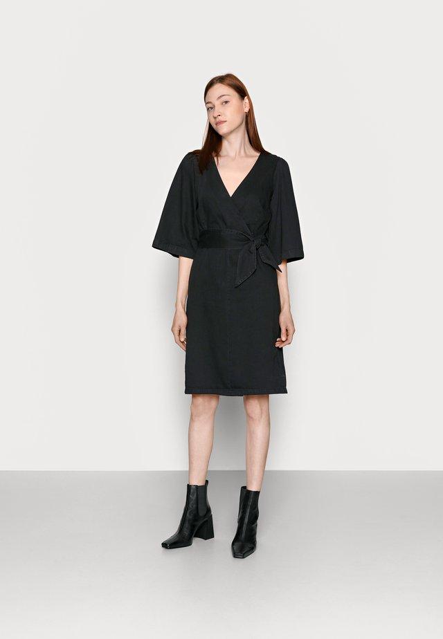 VMFAYE DRESS - Denim dress - black