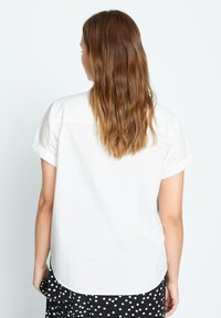 Violeta by Mango - POPEL - Button-down blouse - weiß - 2