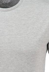 Key Largo - MT SPICY DOUBLE PACK - Basic T-shirt - silver melange - 3