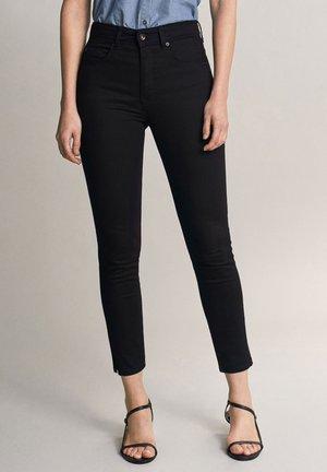 SECRET GLAMOUR PUSH IN CAPRI - Jeans Skinny - black