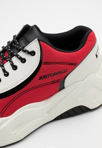 Just Cavalli - LOGO ON THE SIDE - Baskets basses - grenadine red - 3