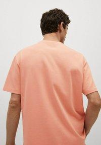 Mango - Basic T-shirt - rose pastel - 2