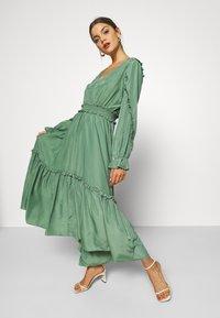 YAS - YASORLEANS DRESS SHOW - Długa sukienka - dark ivy - 3