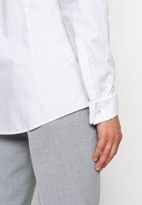 HUGO - EJINAR - Formal shirt - open white - 3