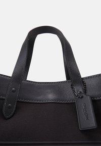 Coach - FIELD TOTE 40 UNISEX - Handbag - black - 3
