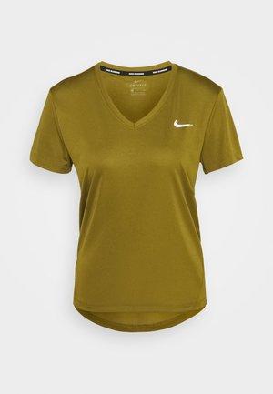 MILER V NECK - T-shirt print - olive flak/reflective silver