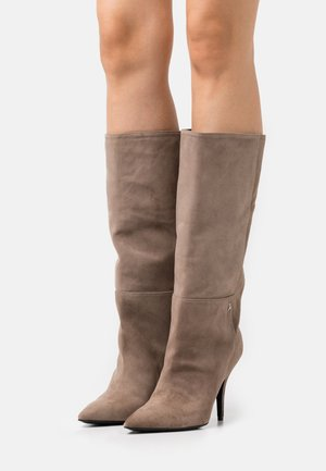 Boots - taupe