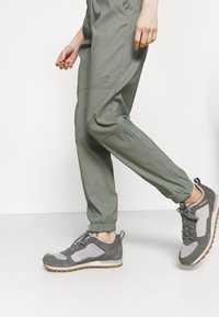 The North Face - CLASS JOGGER - Trousers - agave green - 3