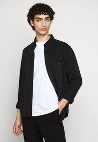 Filippa K - ZACHARY - Shirt - almost black - 0