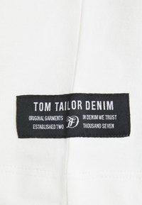 TOM TAILOR DENIM - HIGH COLLAR - Long sleeved top - white - 6