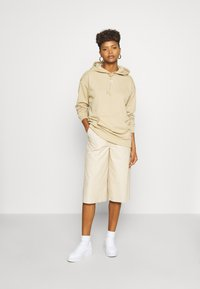 adidas Originals - TREFOIL ESSENTIALS HOODED - Hoodie - linen khaki - 1