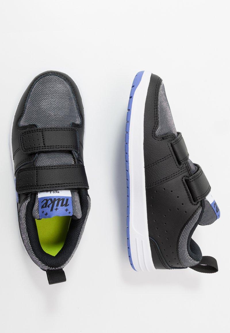Nike Performance - PICO 5 GLITTER - Zapatillas de entrenamiento - black/white/sapphire