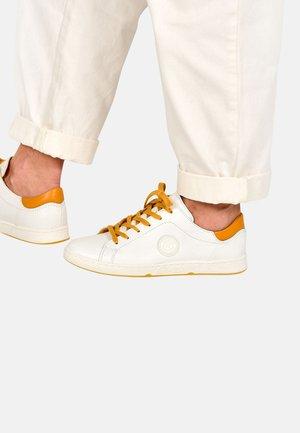 JAYO - Zapatillas - white