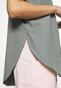 CLOSED - SENNA - Button-down blouse - dusty pine - 5