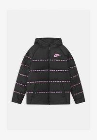 black/arctic pink
