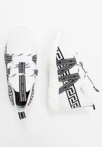 Versace - CALZINO - Tenisky - offwhite - 0
