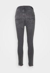 Q/S designed by - Jeansy Skinny Fit - grey/black denim - 1