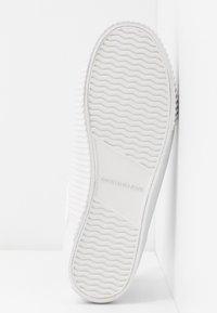 Calvin Klein Jeans - IANTHA - Trainers - white - 6