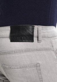 INDICODE JEANS - NARVIK - Slim fit jeans - light grey - 4