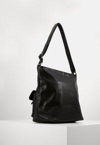 Anna Field - Håndtasker - black - 2