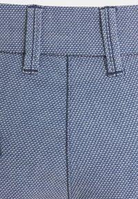 TOM TAILOR DENIM - Shorts - blue/white - 2