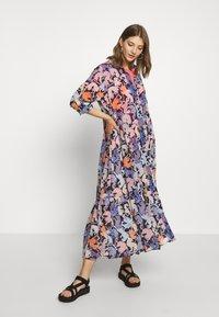 Monki - COLLINA DRESS - Skjortekjole - blue - 1