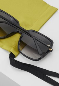 Gucci - Solbriller - black/grey - 4