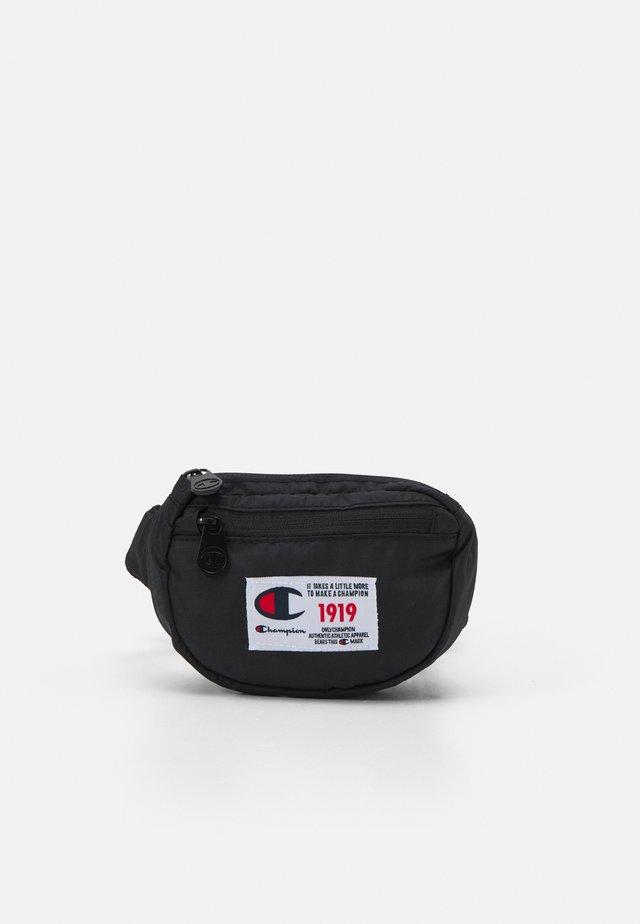 BELT BAG UNISEX - Gürteltasche - black