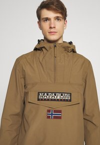 Napapijri - RAINFOREST SUMMER - Windbreaker - kangaroo brown
