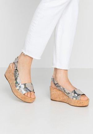 Sandály na platformě - weiß/multicolor