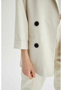 DeFacto - OVERSIZED - Short coat - ecru - 5