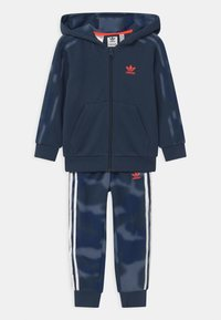 adidas Originals - CAMO HOODED SET UNISEX - Tracksuit - crew navy/crew blue - 0