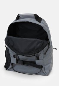 Carhartt WIP - FLECT KICKFLIP BACKPACK - Rucksack - grey - 2