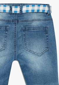 Benetton - TROUSERS BELT - Short en jean - blue denim - 4