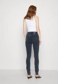 Calvin Klein Jeans - HIGH RISE SKINNY - Jeans Skinny Fit - blue grey shank - 2